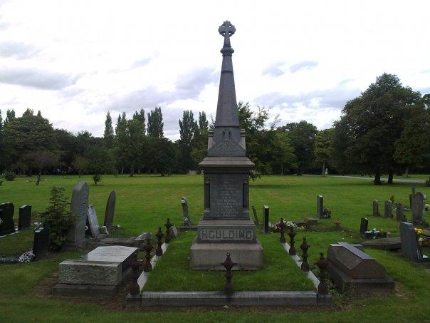 John Houlding grave I