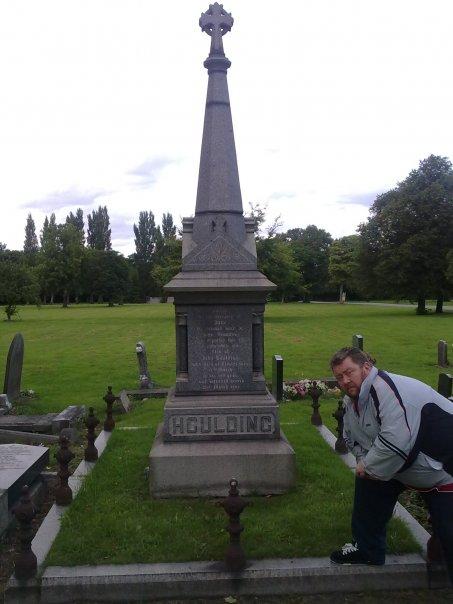 John Houlding grave IV