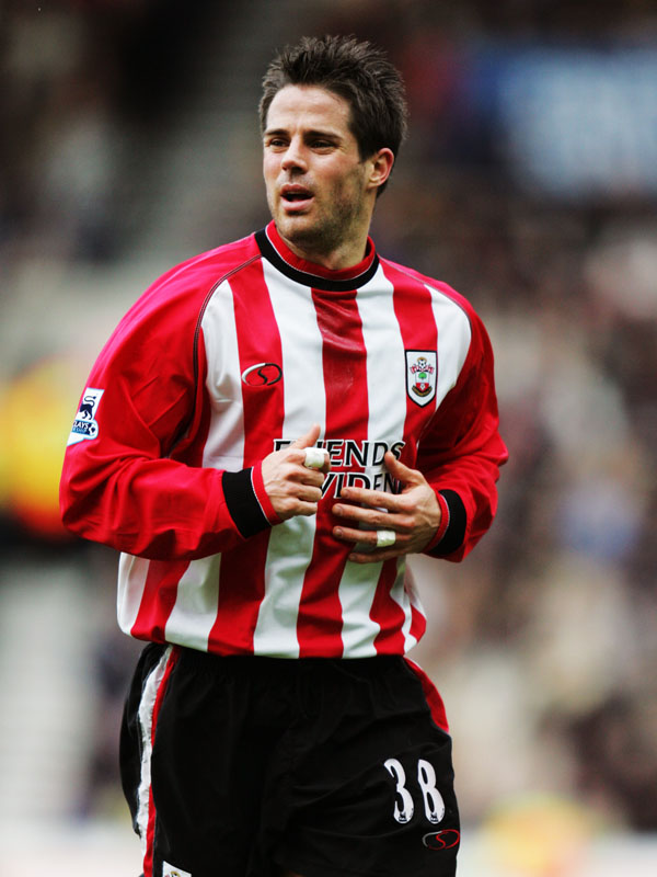 SOUTHAMPTON, ENGLAND - MARCH 5:  Jamie Redknapp of Southampton in action during the Barclays Premiership match between Southampton and Tottenham Hotspur on March 5, 2005 at the St. Mary's Stadium in Southampton, England.  (Photo by Paul Gilham/Getty Images) *** Local Caption *** Jamie Redknapp