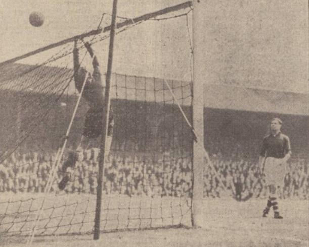 1939 LFC v Everton image Kemp and Bush