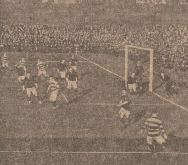 1908-scotland-v-wales-lennie-returning-corner
