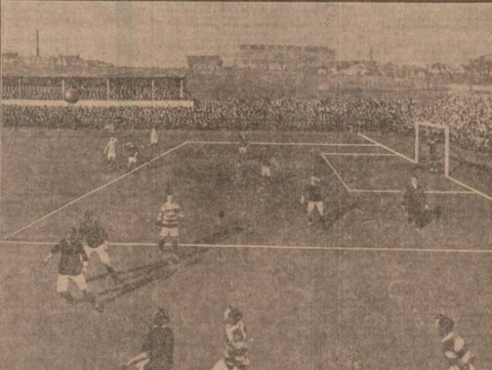1908-scotland-v-wales-waiting-for-the-ball