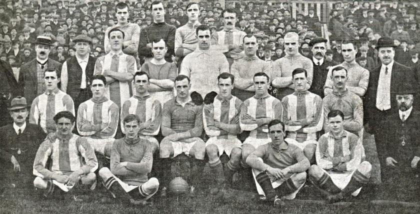 1910-oldham-athletic-team-picture