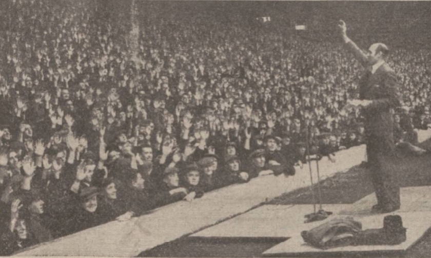 merseyside-dockers-on-strike-november-1945-anfield-mass-meeting