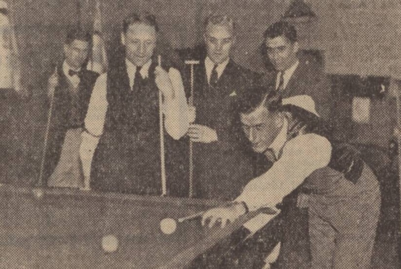 middlesbrough-players-at-billiard